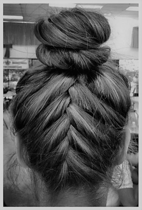 penteados-com-coque-baixo