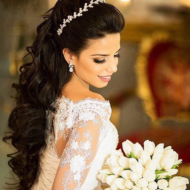 penteados para festas com tiara